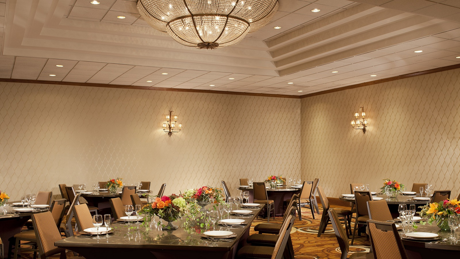simplify your meetings at Sheraton Minneapolis West Hotel
