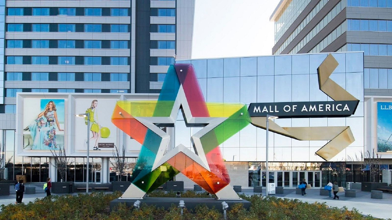 Things to do in Minneapolis includes a trip to the famous Mall of America.